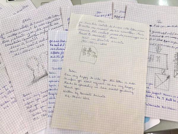 Cartas de agradecimiento de niñas del Proyecto World Vision en Malí